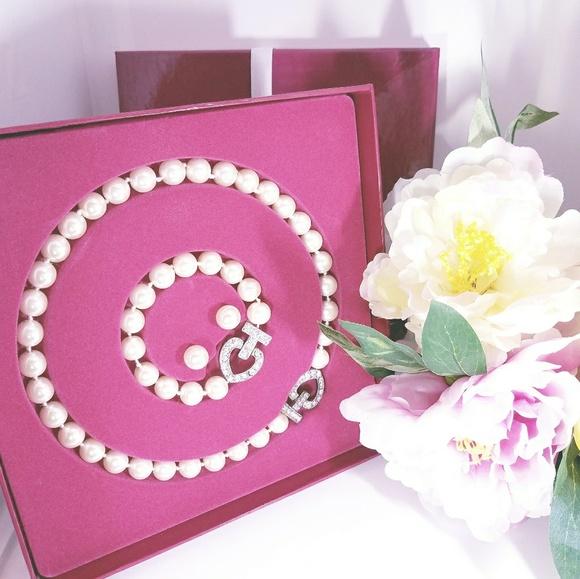 Jewelry - Pearl Necklace, Bracelet, & Studs Set